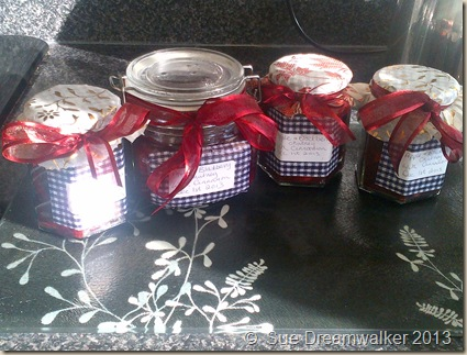 Just 'Being' Apple-and-blackberry-chutney_thumb